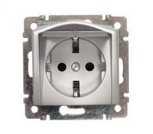 Розетка 2К+З с откидной крышкой, винтовые зажимы немецкий стандарт 16A 770122 Legrand Valena цвет алюминий фото